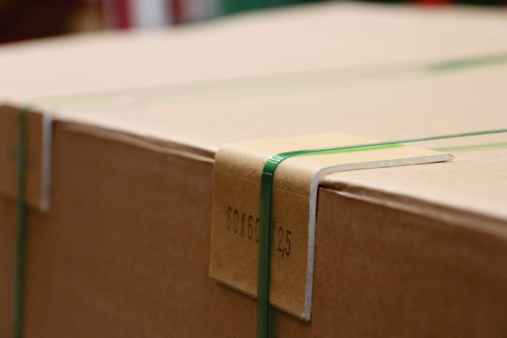 Esquinero-carton-kraft-tarimas-cajas-empaques-SALMI